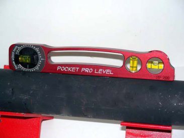 Pocket Pro Level by Flange Wizard in use