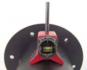 Small Magnetic Center Finder by Flange Wizard in use